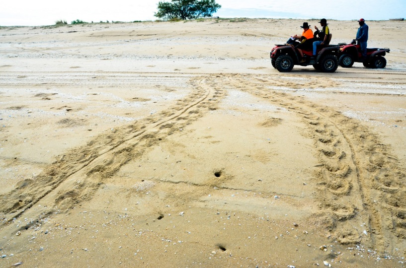 Quad_bikes_on_beach